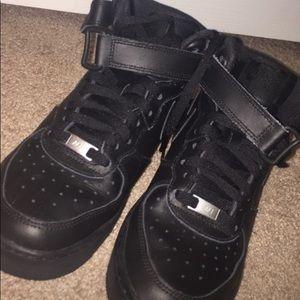 Nike Air Force 1 hightop black